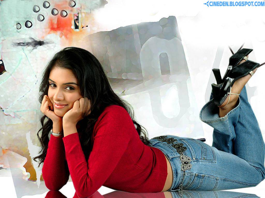 Asin Thottumkal has a Dream