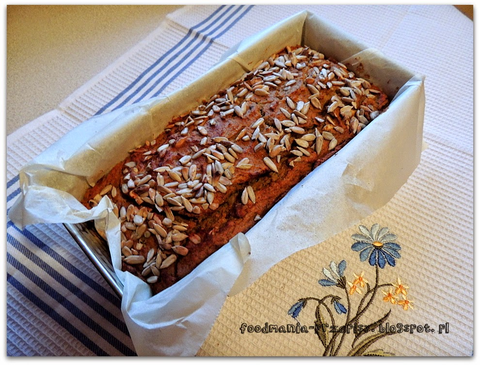 http://foodmania-przepisy.blogspot.com/2013/12/pasztet-z-soczewicy-z-warzywami.html