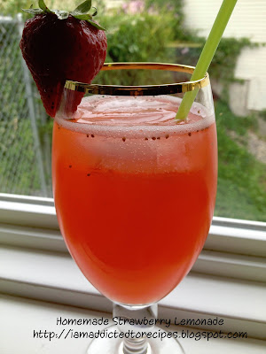 Strawberry Lemonade | Addicted to Recipes