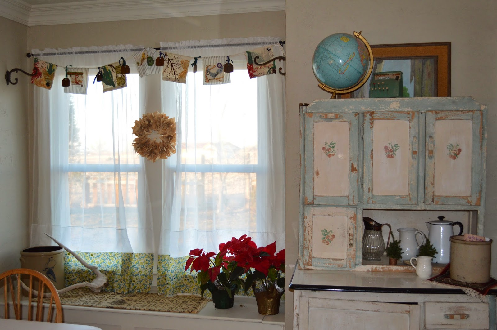 The quilt barn dining room curtains for Dining room drapes