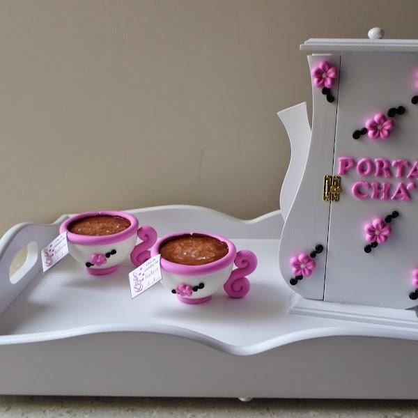 Bandeja de Café da Manhã e Porta Chá