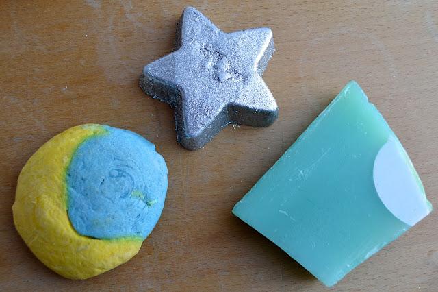 Christmas Eve Bubble Bar, Star Light Star Bright bath melt and Snow Globe soap.