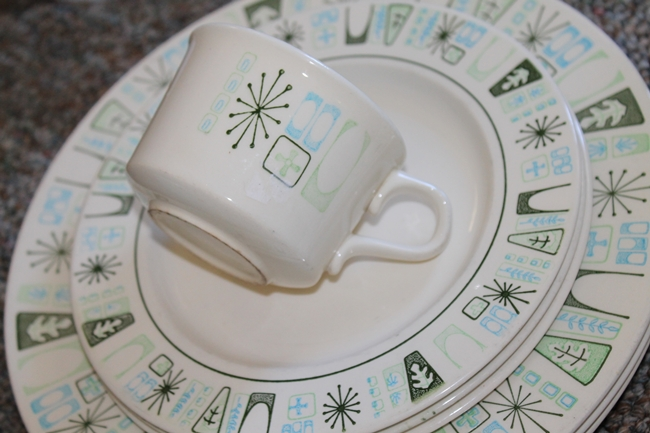 1950's vintage Cathay dish set