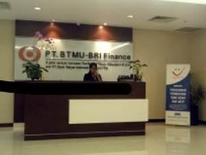 Lowongan Kerja 2013 Terbaru PT. BTMU Bank Rakyat Indonesia Finance Untuk Lulusan S1 Beberapa Posisi - Desember 2012