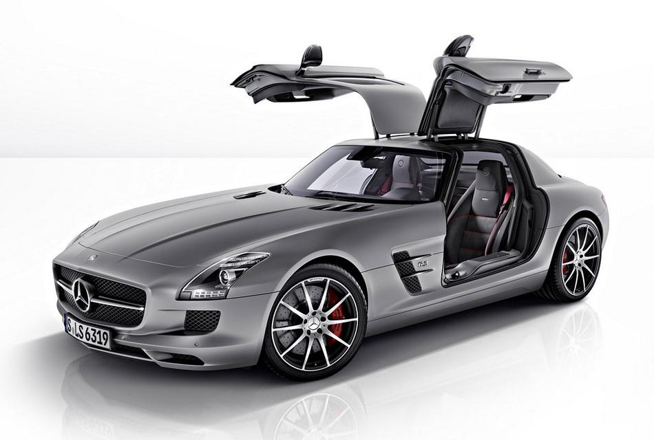 Pictures mercedes benz reveals 2013 sls amg gt amazing for How much is a mercedes benz amg