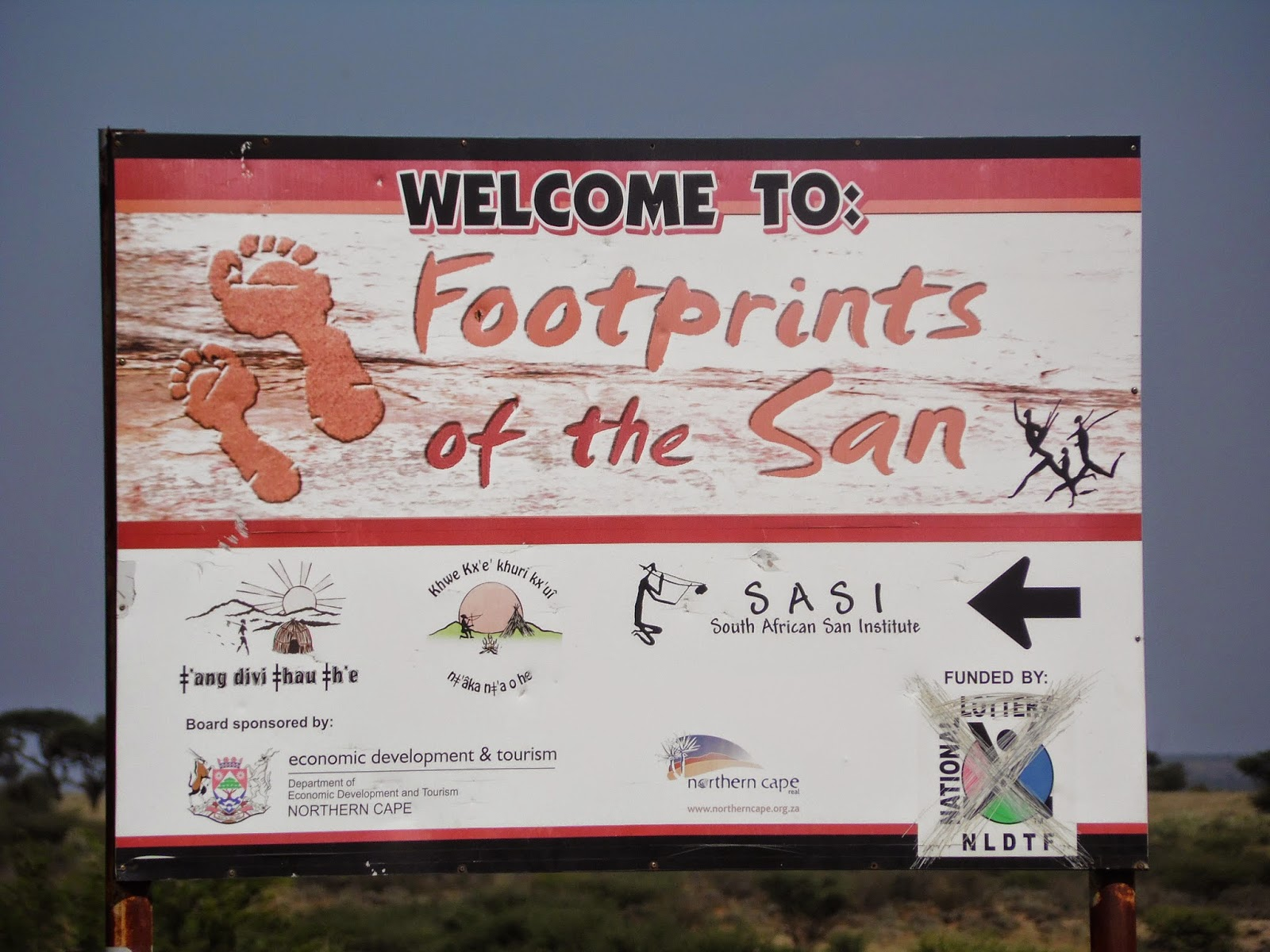 spectacle african footprints