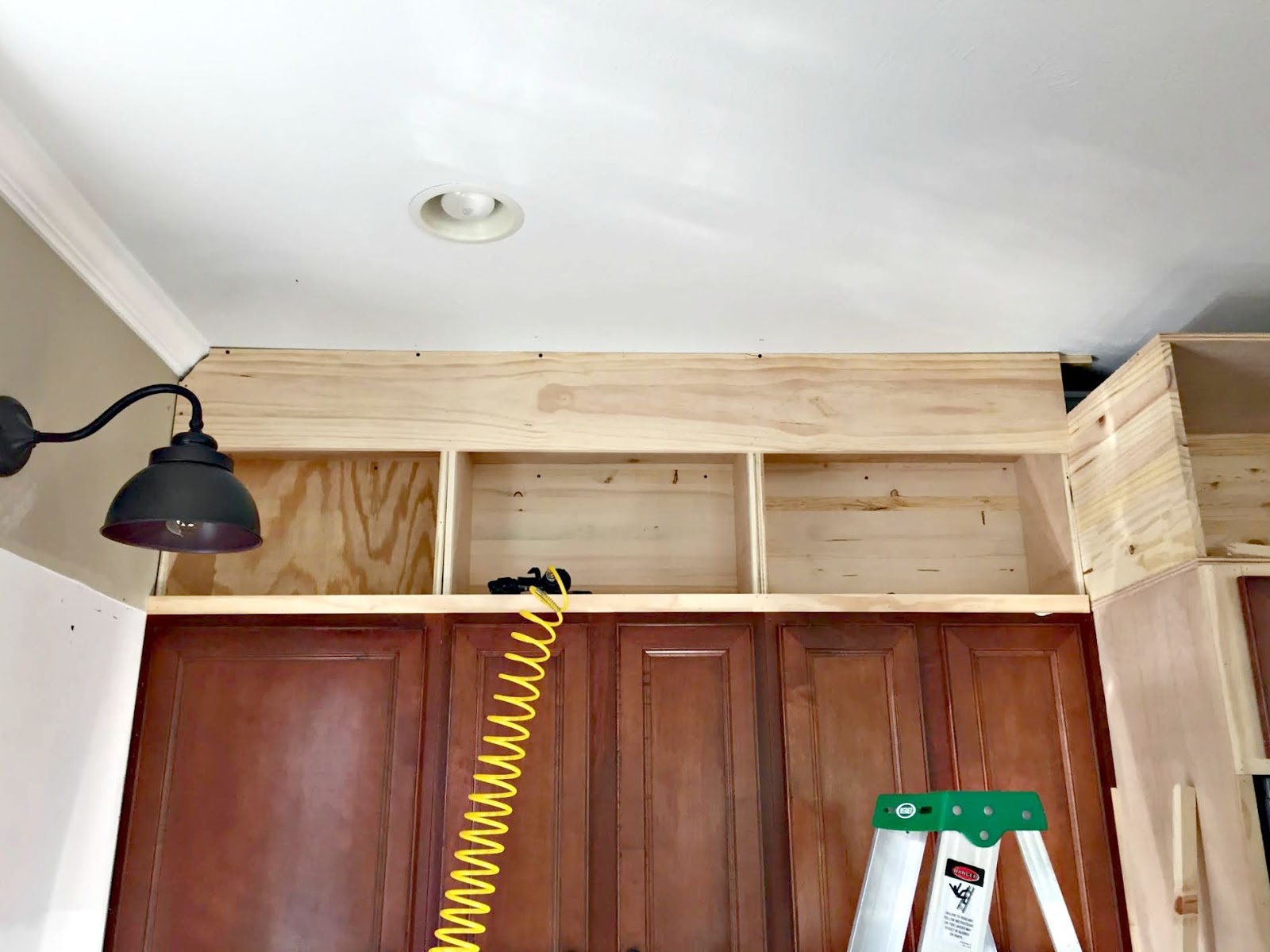 Building Upper Kitchen Cabinets Building Cabinets Up To The Ceiling From Thrifty Decor Chick