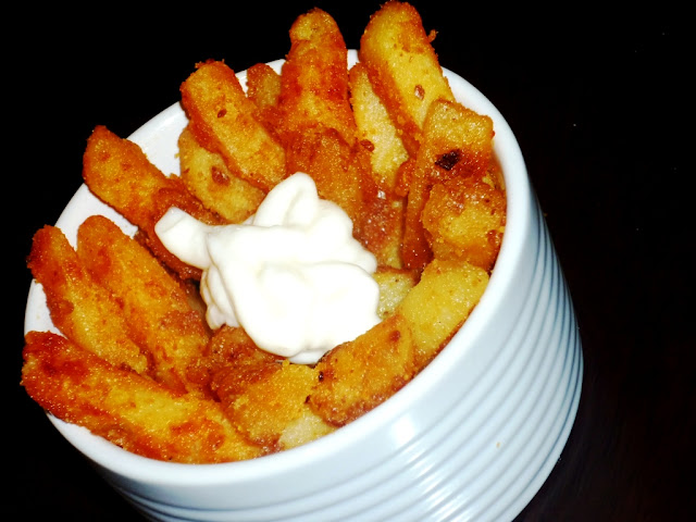 Spiced Finger Chips with Garlic Mayo-french fries