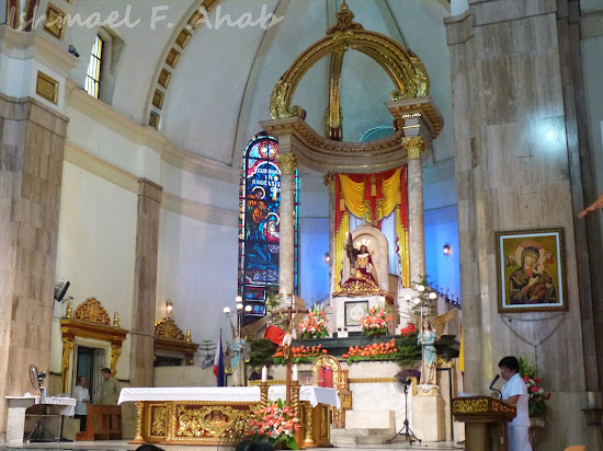 Altar of Quiapo Church