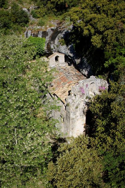 Vue inédite sud-est de Notre-Dame de Laval  Collias