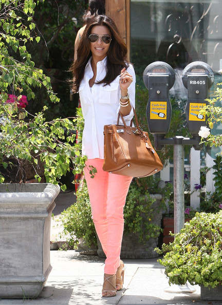 Get The Look: Eva Longoria Pastel Peach Jeans
