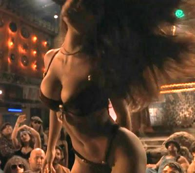 http://2.bp.blogspot.com/-uCG51bD2u8Y/UGu_POu7TKI/AAAAAAAANXo/jFjlgvD60Lc/s400/salma-hayek-from-dusk-till-dawn-sexy-strip-dance.jpg