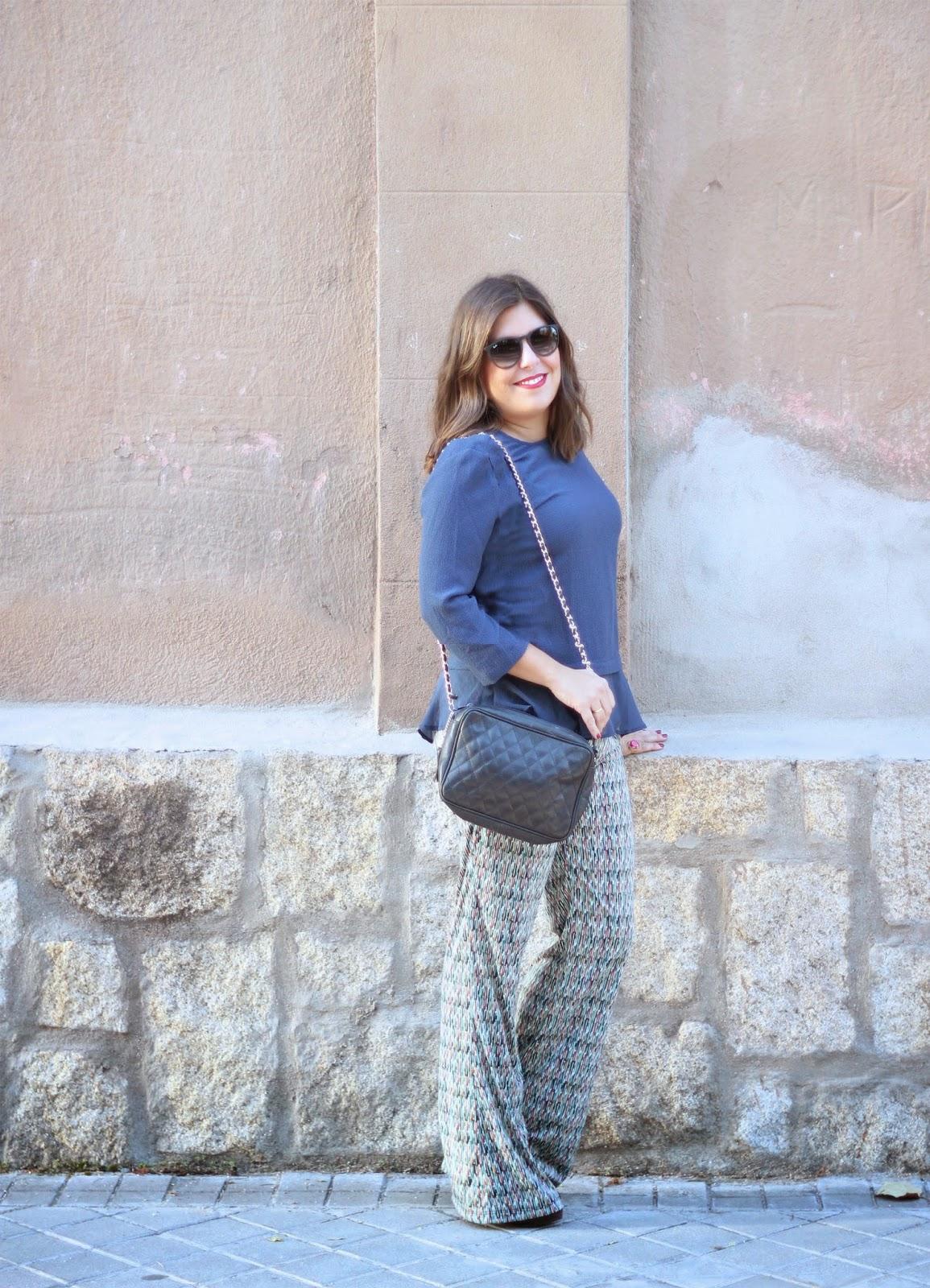 photo-look-street_style-nicoli-pantalones-camisa_azul-zara