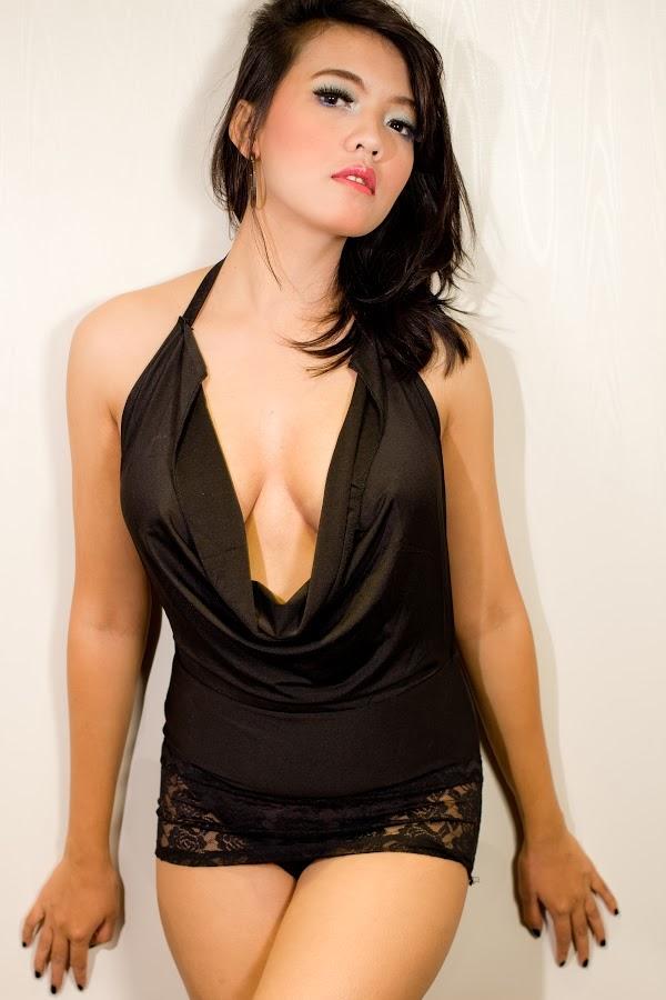 Foto Model Cantik Seksi Indonesia Menggoda