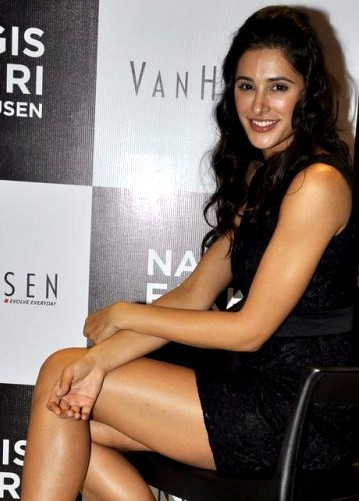 50912 2 large Bollywood Actresses Oops and Panty Upskirts