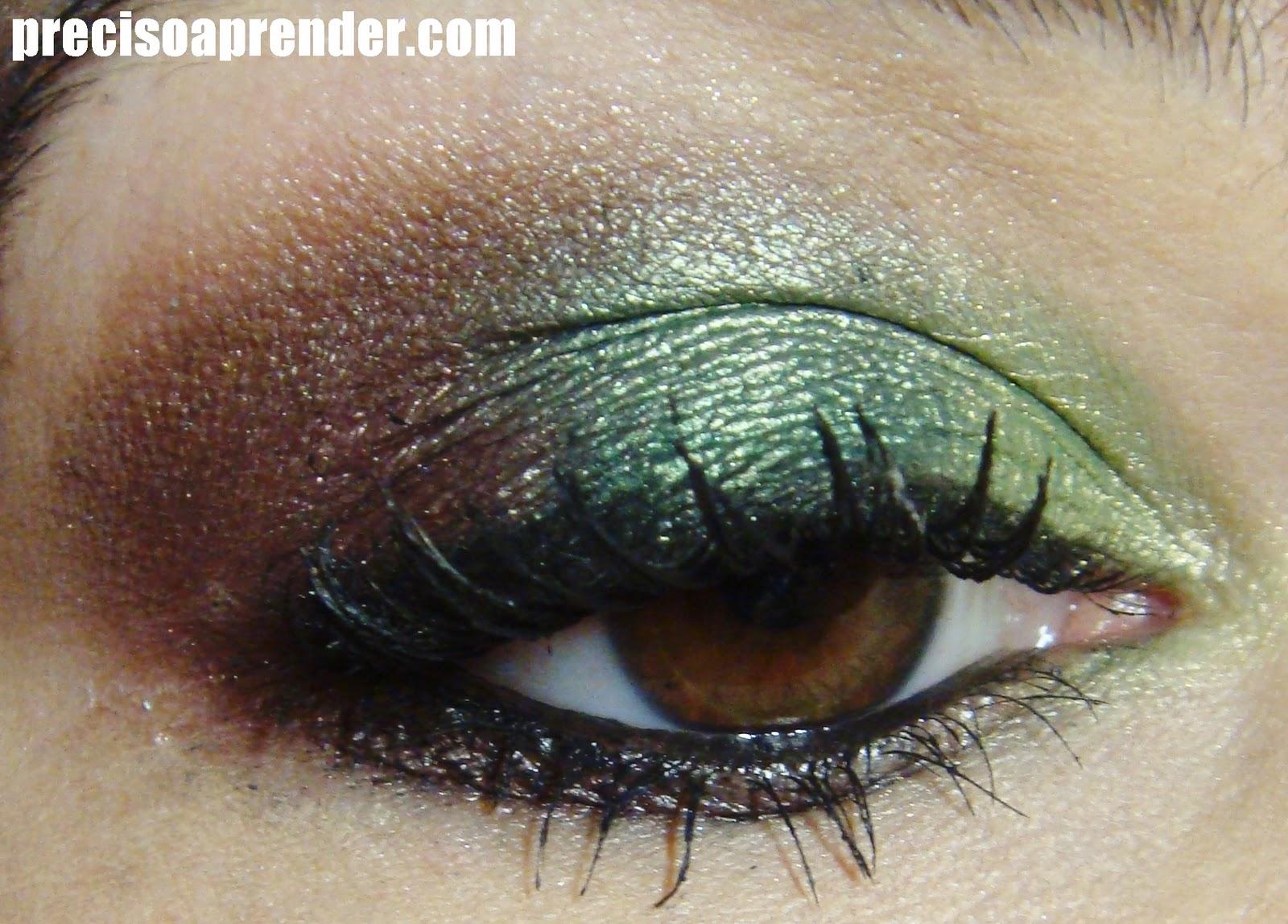 http://2.bp.blogspot.com/-uCeJU985WfE/Tw2yZ8LesAI/AAAAAAAABz8/fc2ZAdgceww/s1600/maquiagem+degrad%25C3%25AA+verde+com+marrom+sombra+3d+jasmyne.JPG