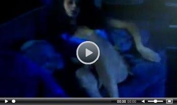 ΣOK: Ελληνίδα ηθοποιός χaϊδεύετaι μπροστά στην caμερα!