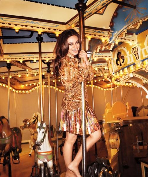 Mila Kunis,sexys photos magazine Harper's Bazaar