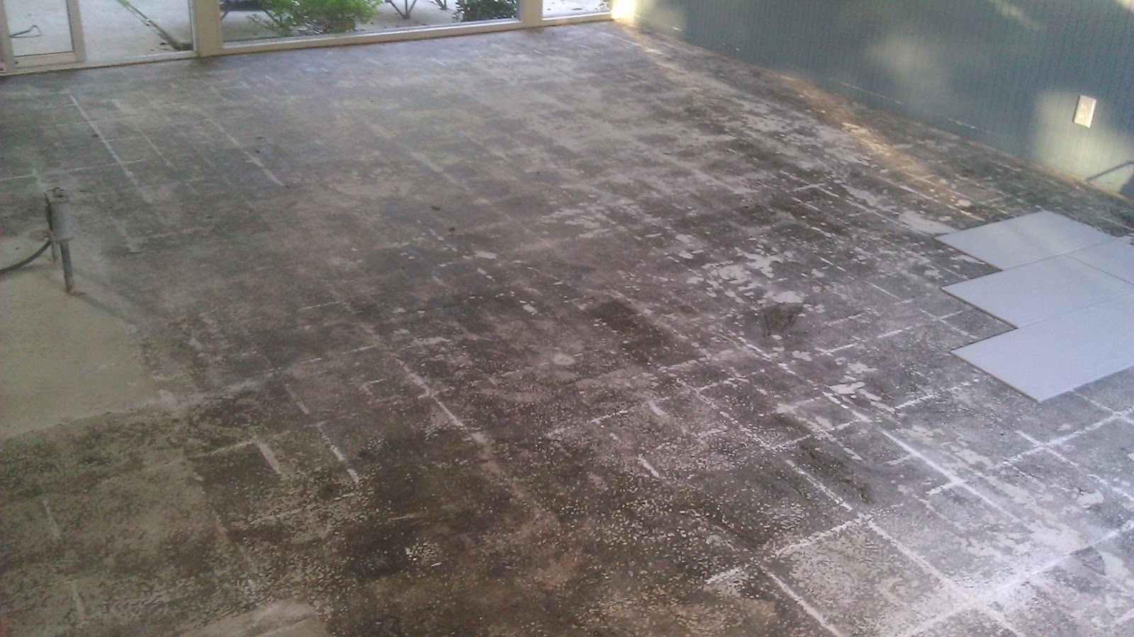 Eichler bug floor demolition complete prep for tile installation theyve been scraping the mastic for a day or so and here is what the floor looks like after removing vcts and scraping most of the mastic dailygadgetfo Image collections