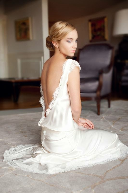 robe de mariée en soie décolleté dos nu
