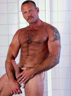 mike-roberts-gay-porn-star-orgasm-porn