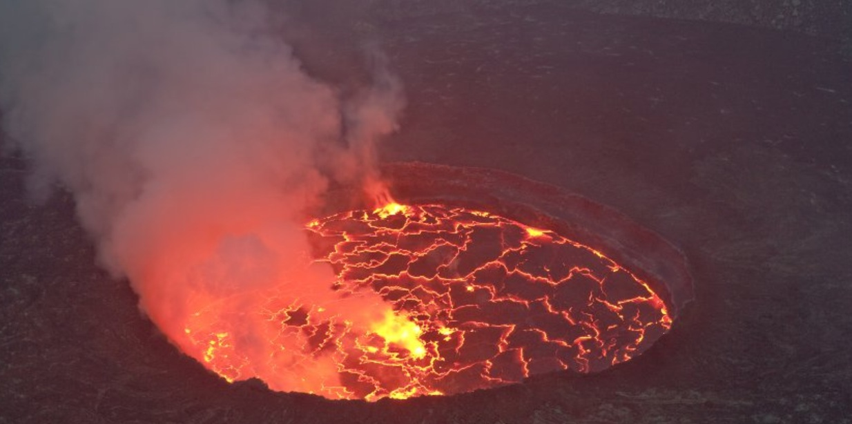 The Big Wobble: Giant lava threatens African city