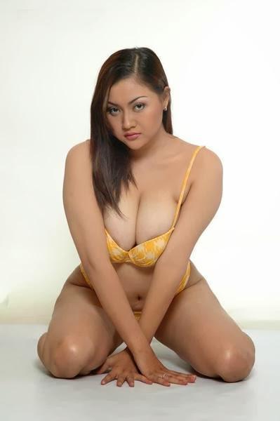 Foto Hot Tante Toket Gede dan Bokong Semok -7
