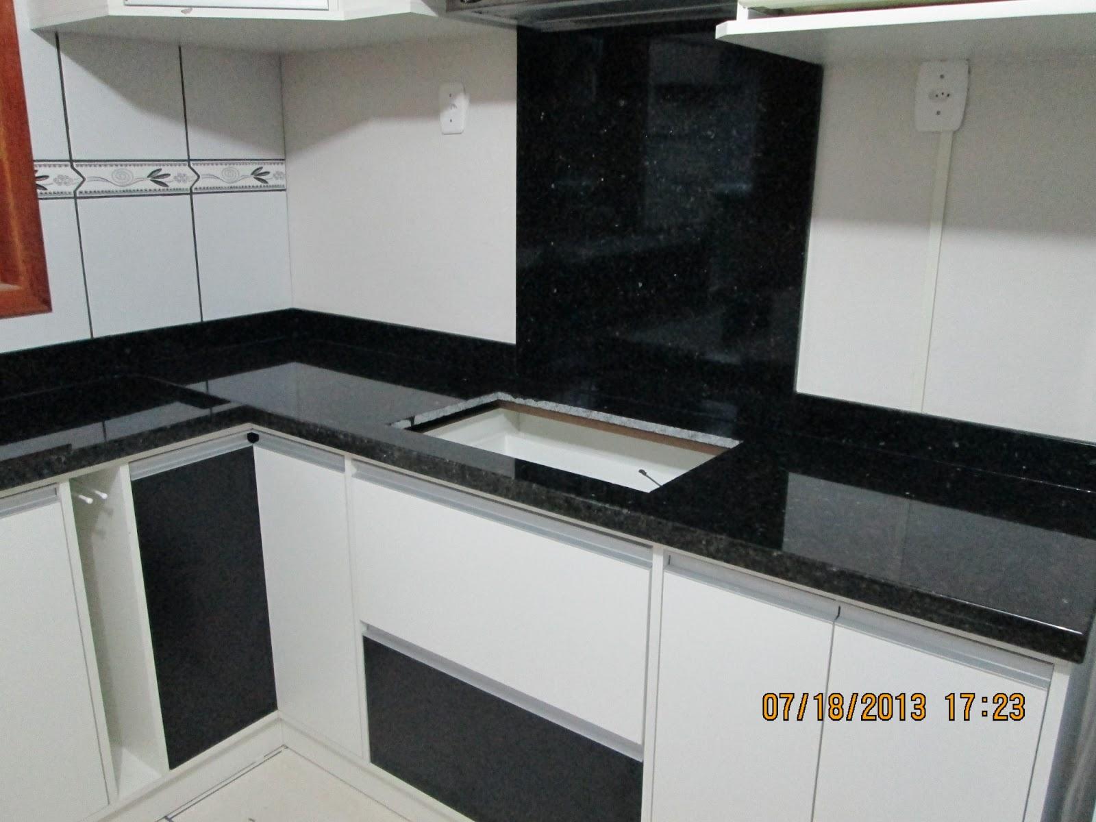 #75392A MARMORARIA CARDOZO: Cozinha de Granito Verde Ubatuba 1600x1200 px Bancadas Para Cozinha Americana De Granito #1489 imagens