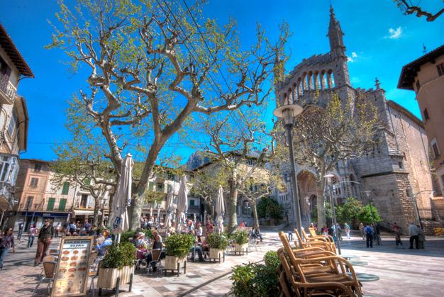 Веб камерв в городе Сольер, Испания онлайн
