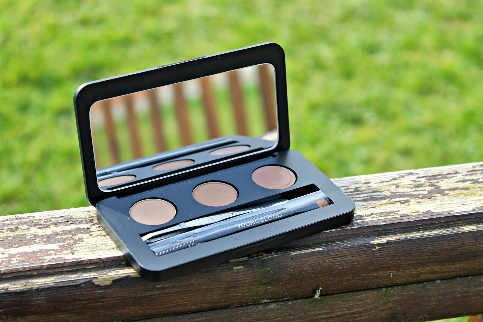 Brow Artiste Brunette Blog Review
