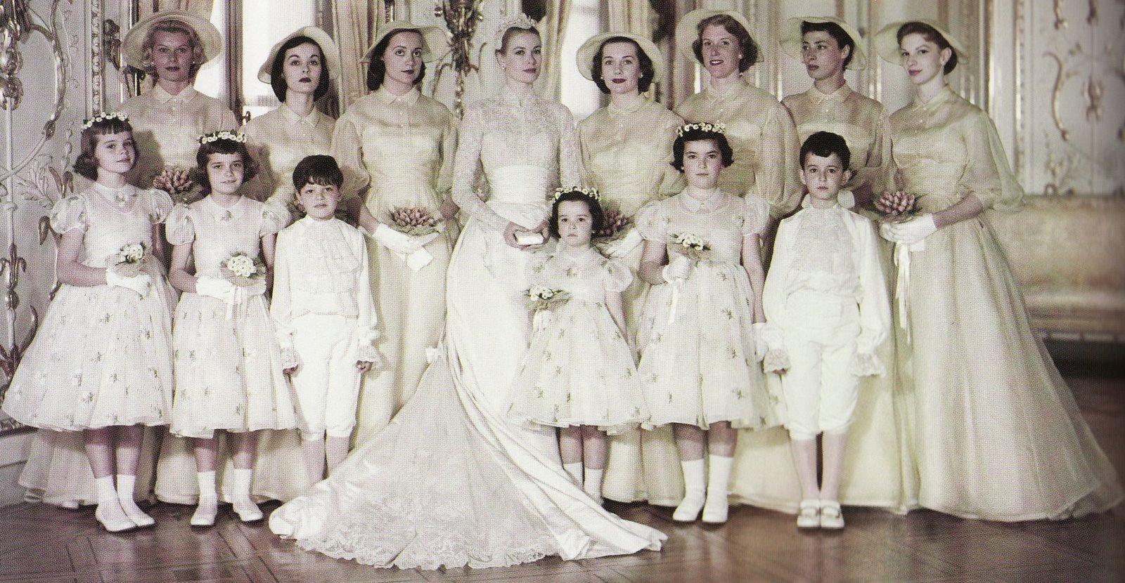 http://2.bp.blogspot.com/-uDkV8Wchnro/Ta29UbKk20I/AAAAAAAAc7s/1_sSdJZN0D4/s1600/4.+grace-kelly-bridal-party.jpg