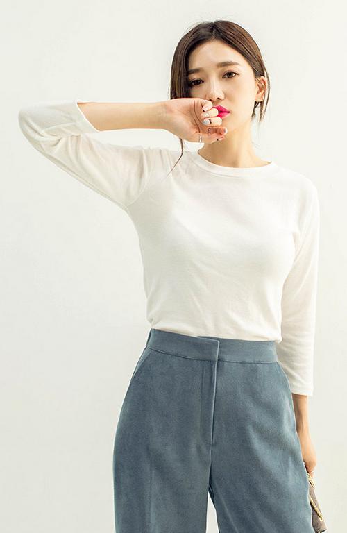 Basic Cropped Sleeve T-Shirt