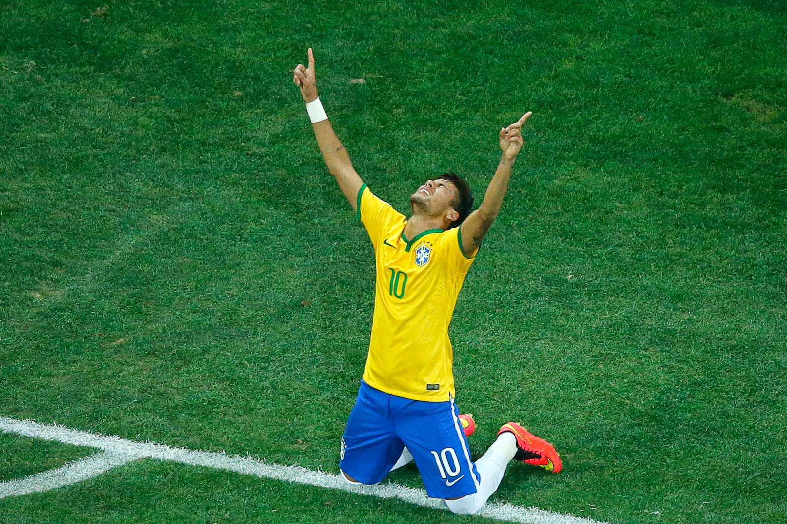 Brazil, Brazil vs Croatia, FIFA World Cup, FIFA World Cup 2014, First match, Football, Sports, Ivan Perisic, Stipe Pletikosa, Oscar, Neymar, David Luiz, Luiz Felipe Scolari,