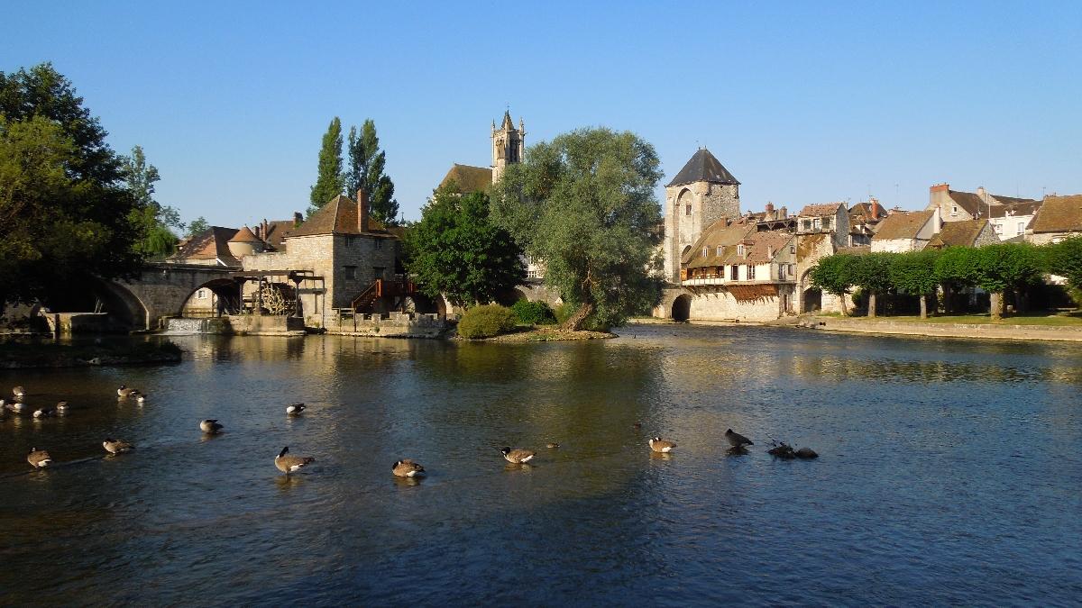 Les voyages du tiguidou quelques images du canal du loing et de ses environs - Garage montigny sur loing ...