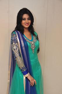 Model Shamili in chudidar at cmr event 010.jpg