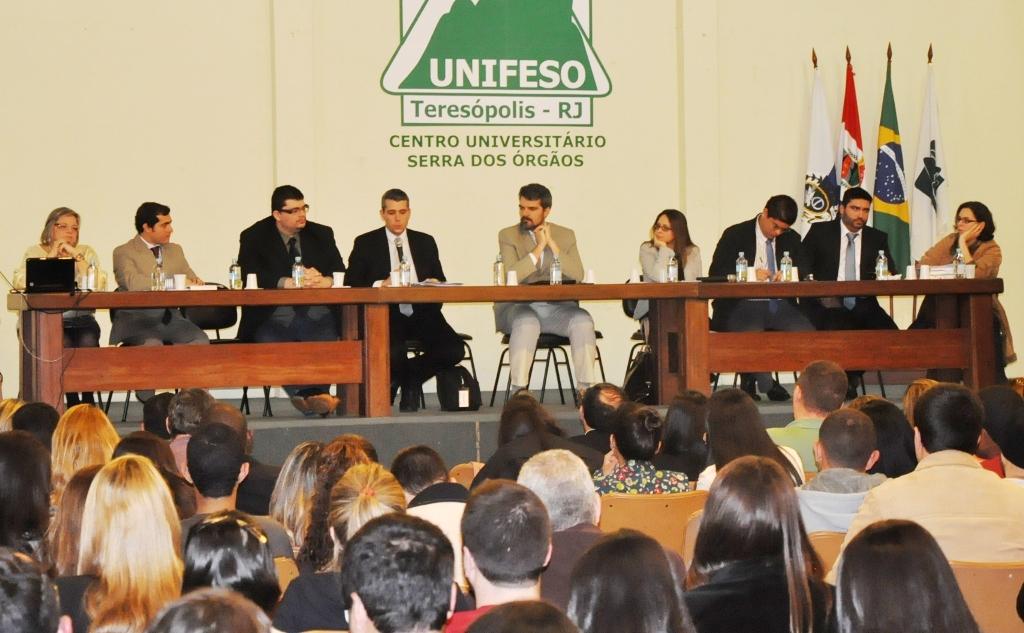 Curso de Direito do UNIFESO Teresópolis comemora Dia do Advogado com encontro de profissionais e estudantes