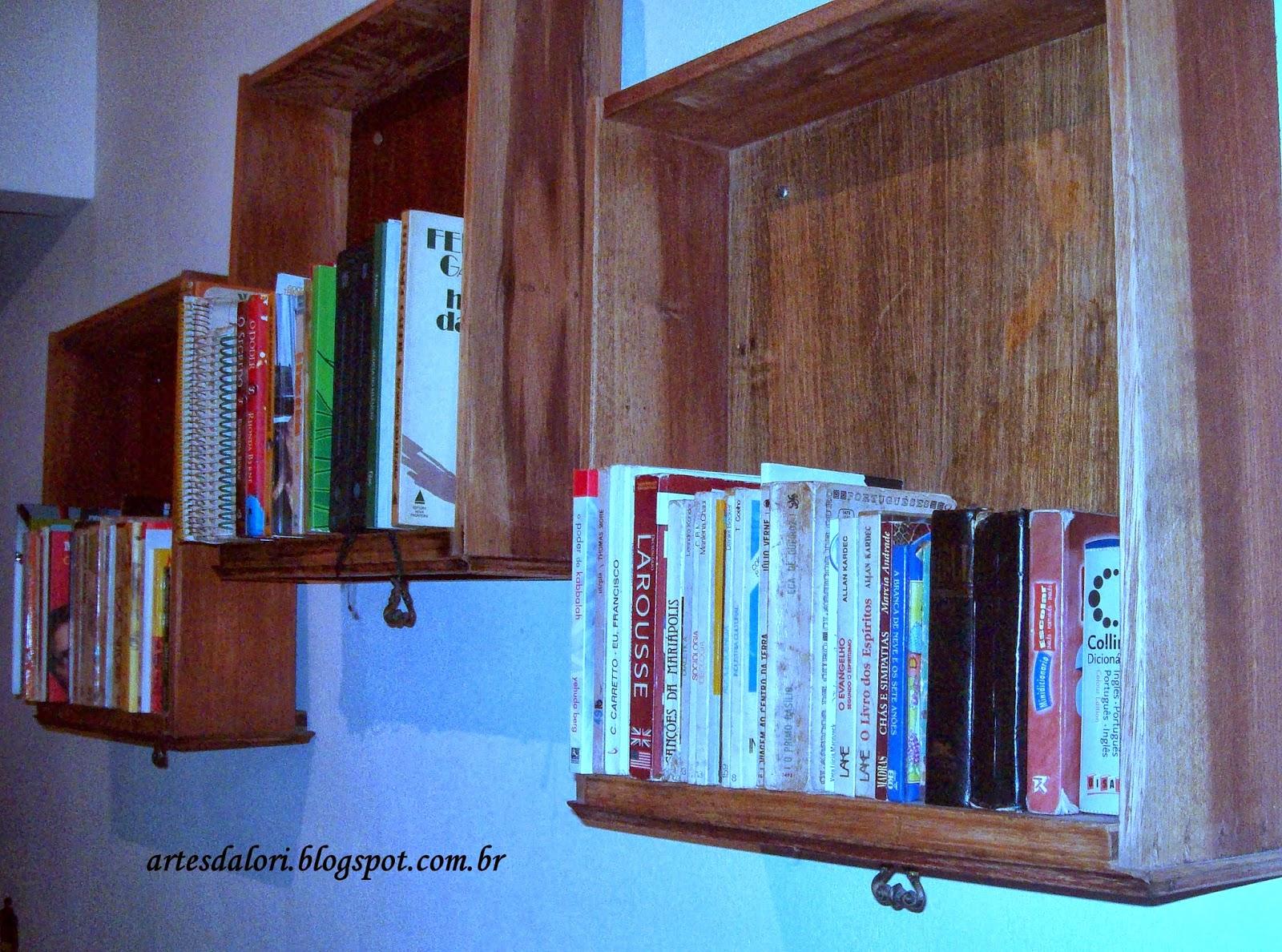 Mas como livro é o que na falta nesta casa e já não tinha onde  #0B85C0 1600x1188