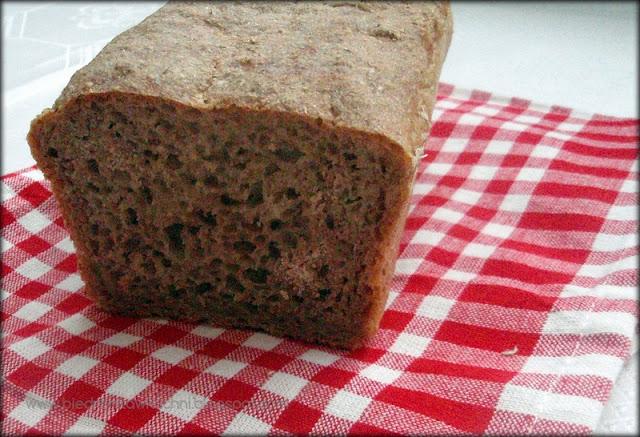 chleb pszenno-żytni, chleb na zakwasie, domowy chleb