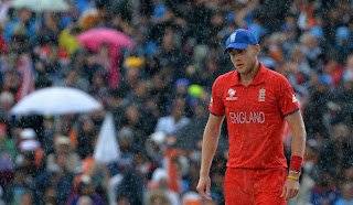 Stuart-Broad-India-vs-England-Champions-Trophy-2013