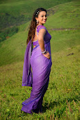 Ester Noronha latest Sizzling photo2-thumbnail-5