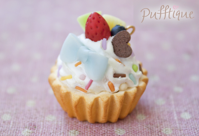 Air Dry Clay Project Ideas http://puffylittlethings.blogspot.com/2013/01/deco-cupcake-tutorial.html