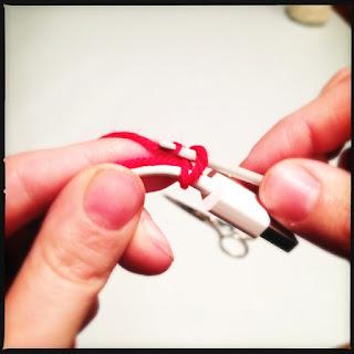 Hæklet telefonoplader/ledning. Tutorial trin 2.