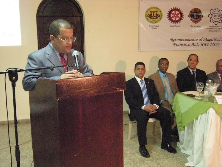 Momento del Discurso del Dr. Francisco Antonio Jerez Mena