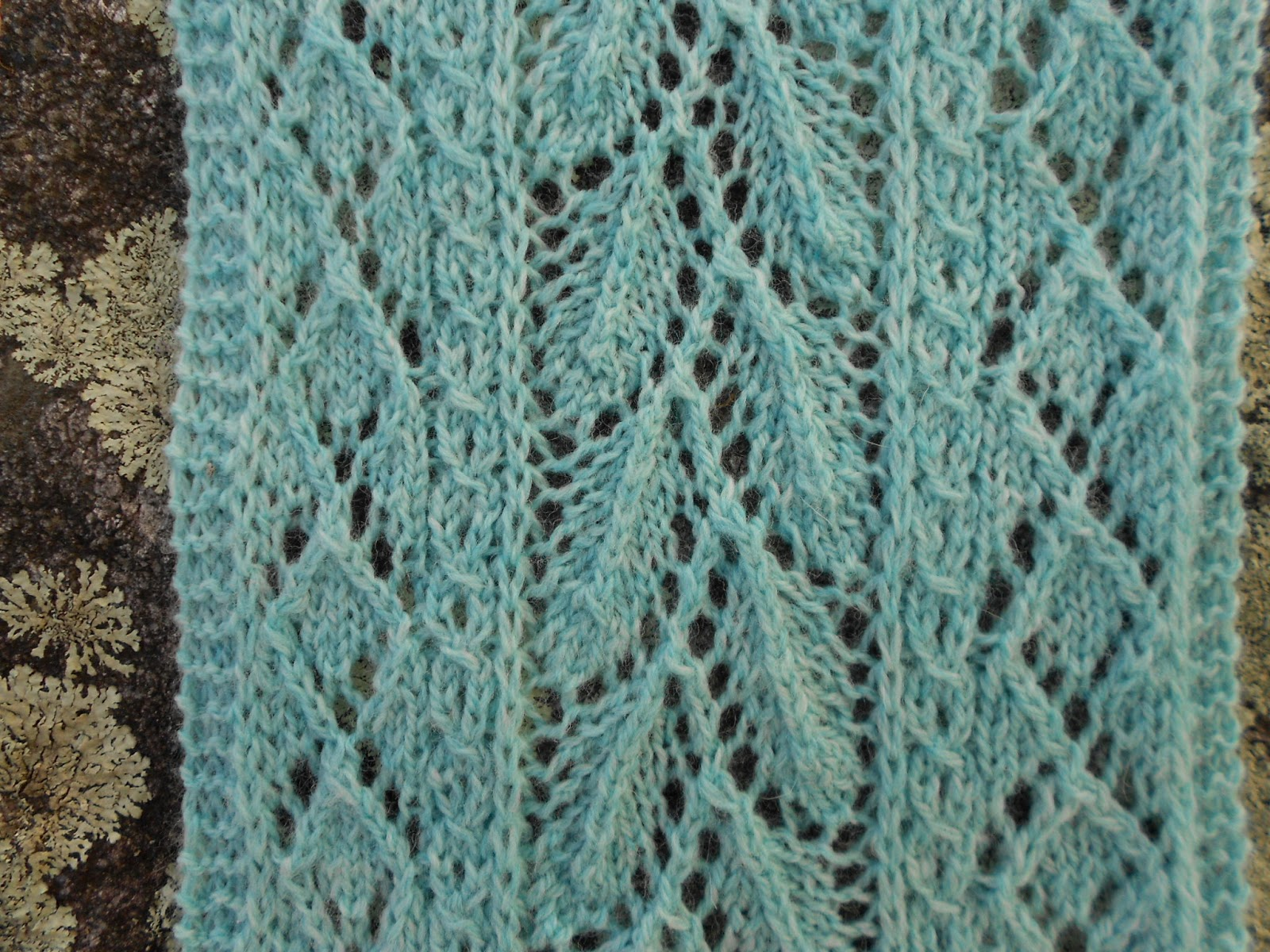 Knitting Pattern Leaf Lace : Merry Melody Designs: Mint Leaf Lace Scarf