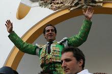 """Ivan Fandiño remporte le prix """"Peña Taurine de Dax"""" de la meilleure faena de la temporada 2012"""
