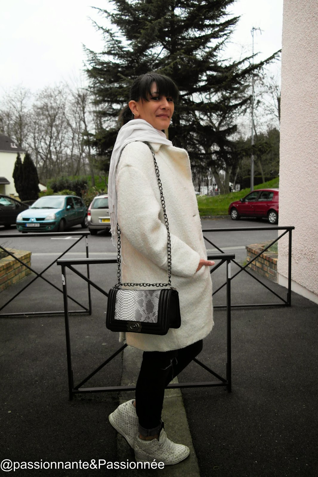 Manteau blanc mi-long