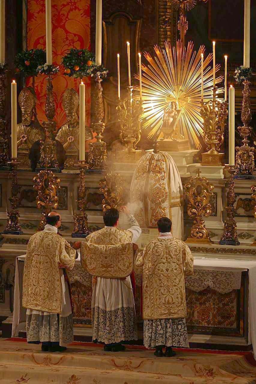 Missa do Galo é aquela que se celebra na Véspera de Natal