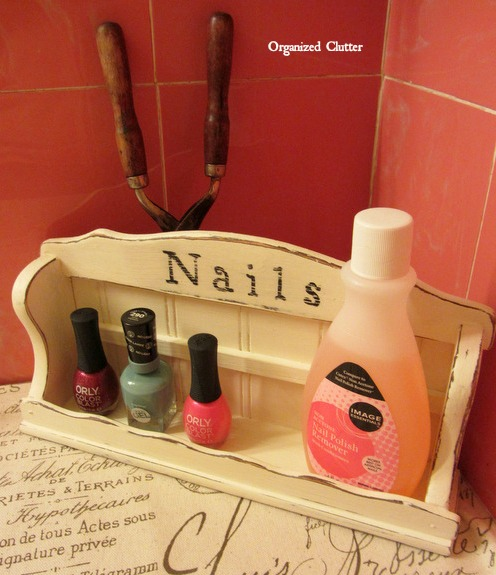 Odds & Ends: Easy Fall Sign & Nail Polish Holder