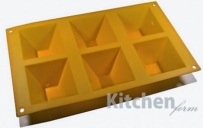http://www.strefaulubiona.pl/piramidki-forma-do-pieczenia-na-6-gniazd-pomaranczowa-kitchenform-p-1298.html