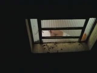 Espiando Karina no Banho so os fortes podem espiar karina no banho1